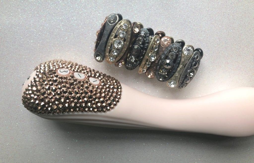Pure Romance Euforia V39 Luxe costume jewelry