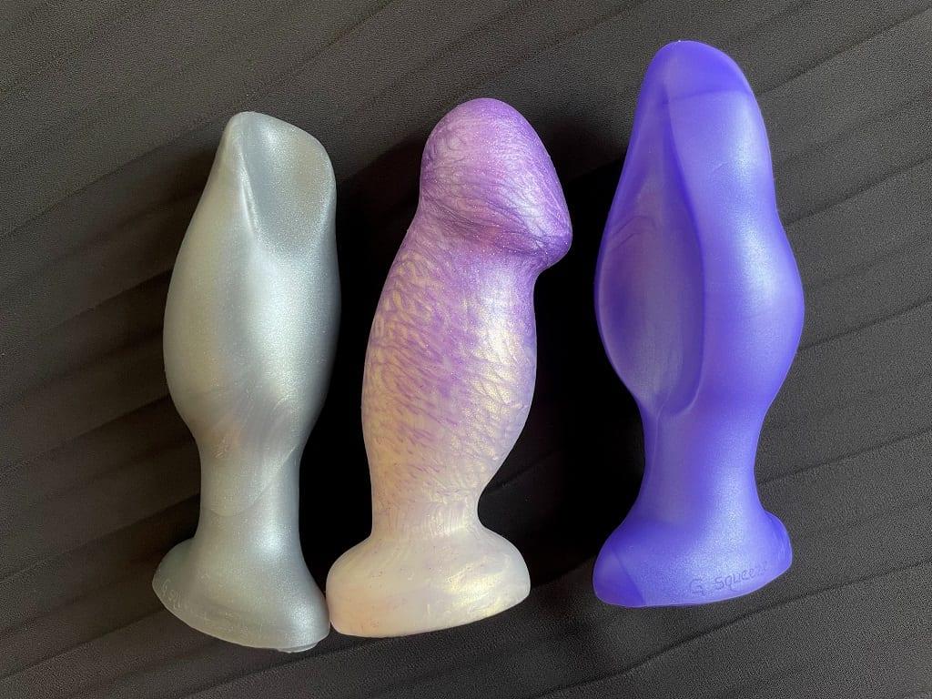 SquarePegToys G squeeze vs. Uberrime Sensi best pussy plug comparison, body-safe silicone vagina plugs